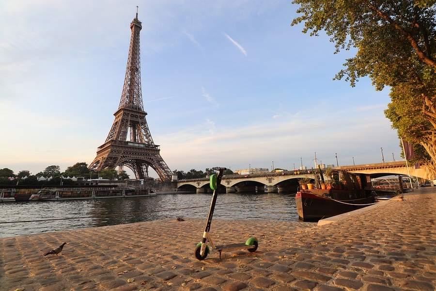 trottinette électrique urbaine paris